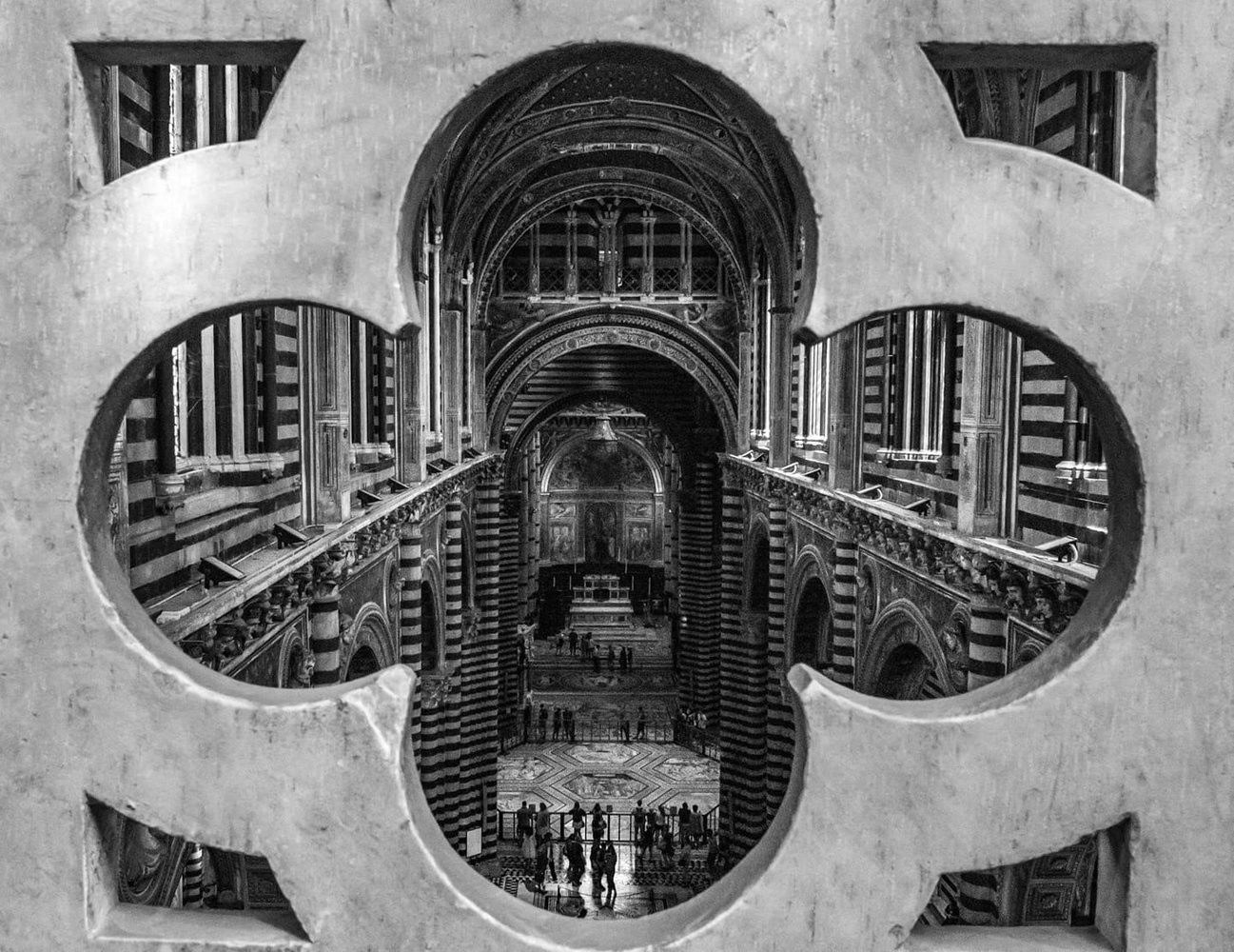 An exiting view in the Siena Catedral by Peter Vlutters