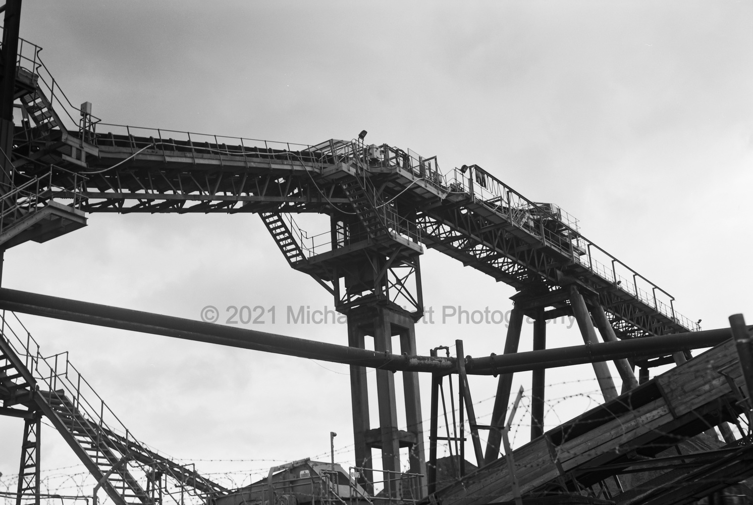 Angerstein Wharf conveyor by Michael Elliott