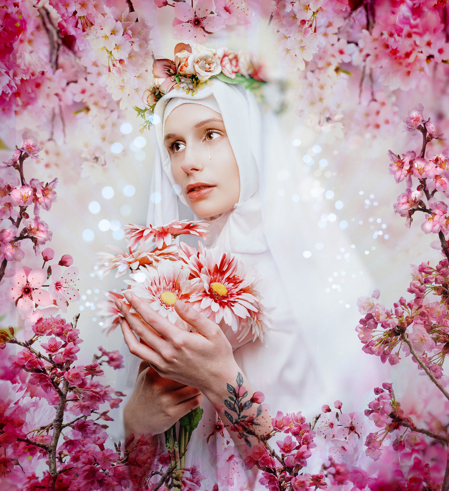 Madonna with flowers, 02 by Ian Pettigrew
