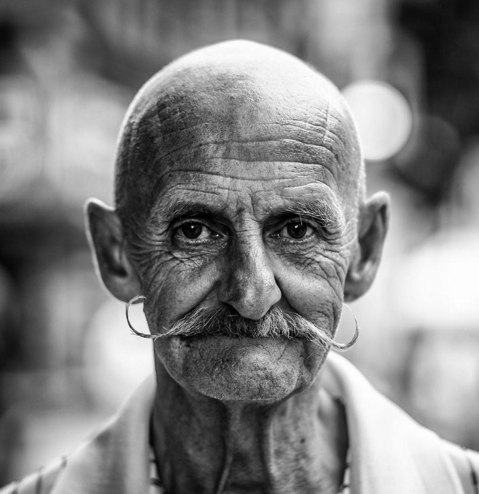 street portrait 01 by Ian Pettigrew