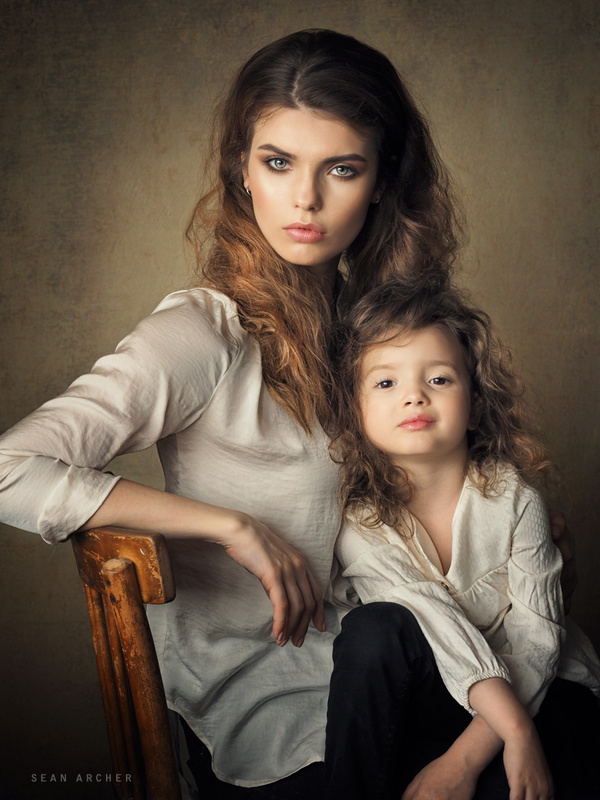 Valeria and Maya by Sean Archer