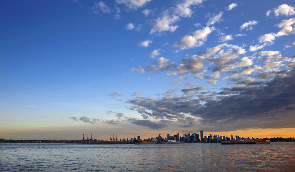 Vancouver Sunset by michael wollen