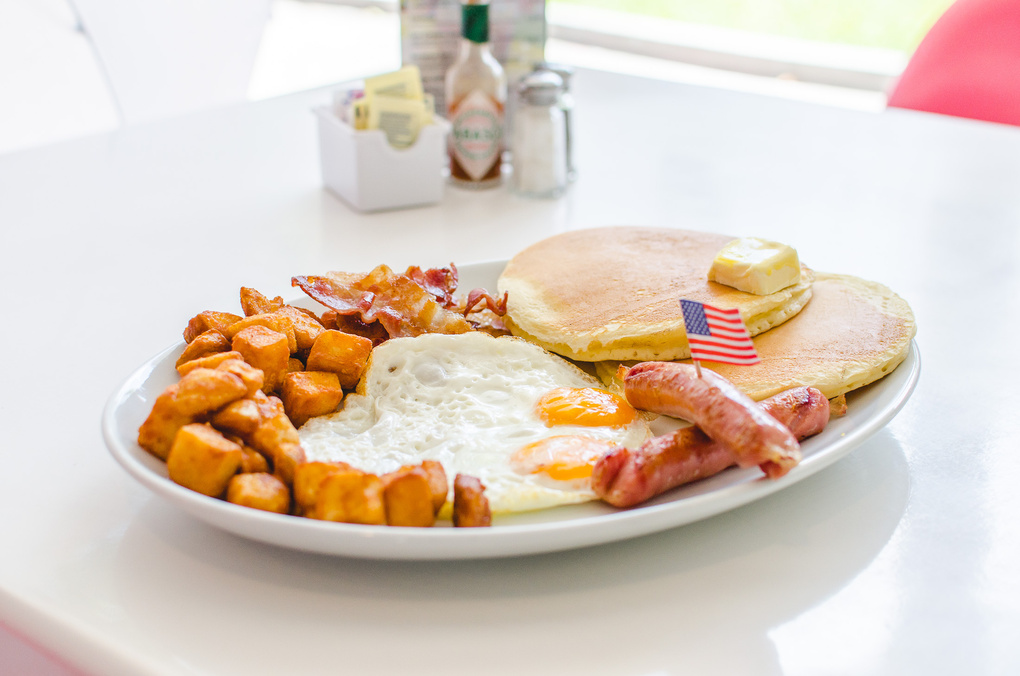 Jeff's Breakfast by Rodrigo Castro
