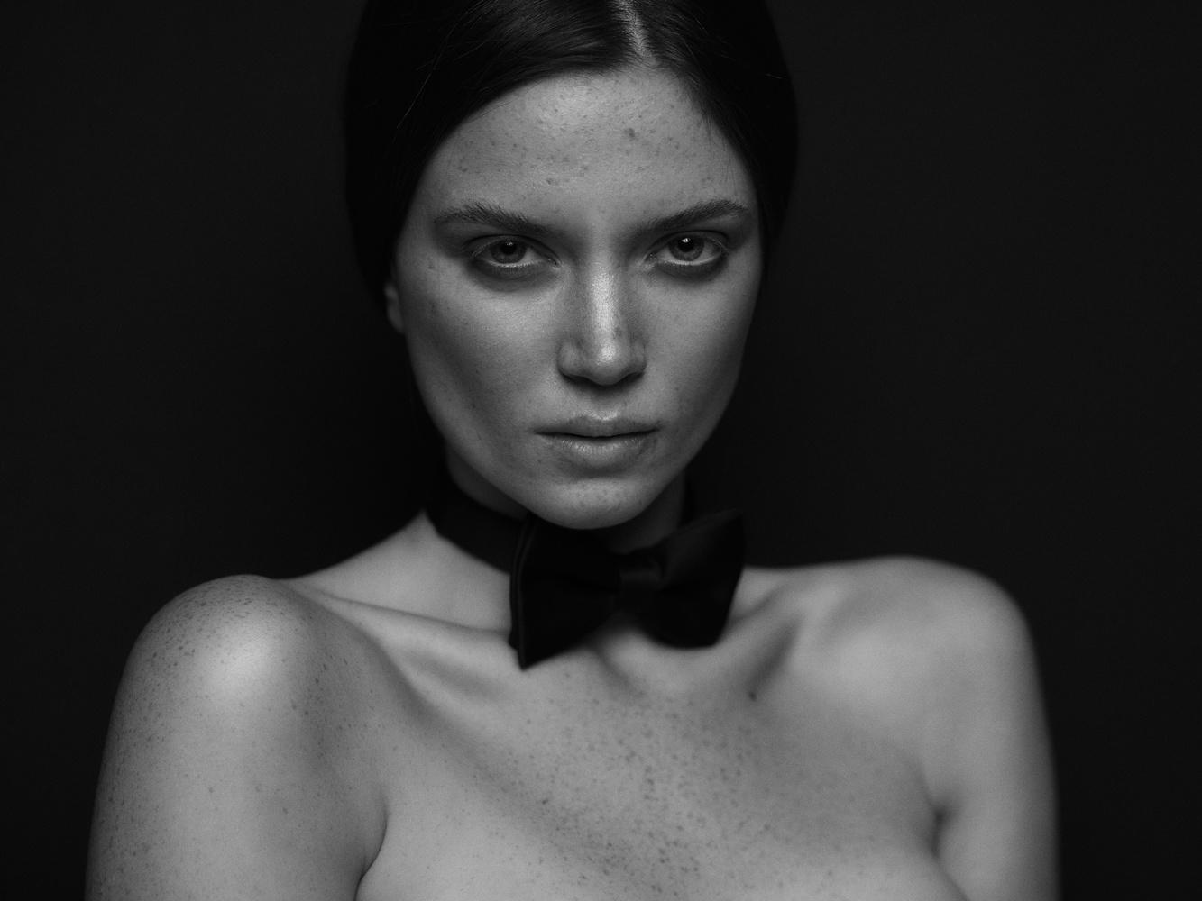 Marina by George Todoroff