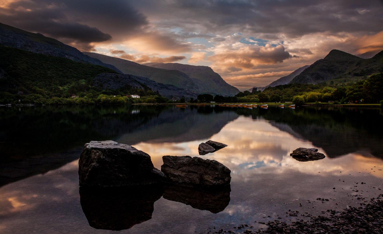 Llyn Padarn Sunrise by Neil Jolley