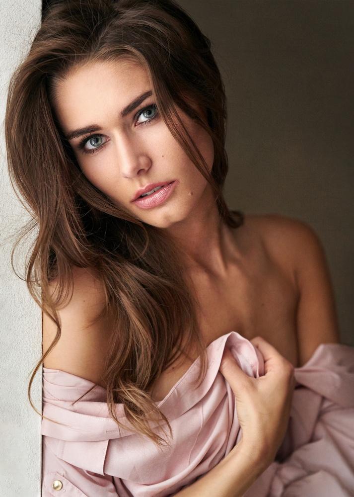 Portrait of beautiful Karolina :-) by Milan R