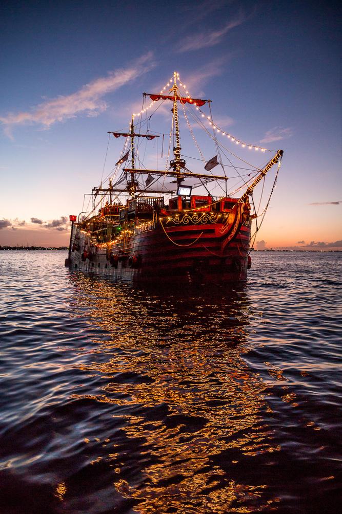 Captain Hook - Cancun by Gabriel Barranco