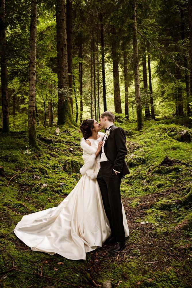 Love in the woods by Giorgio Zamboni