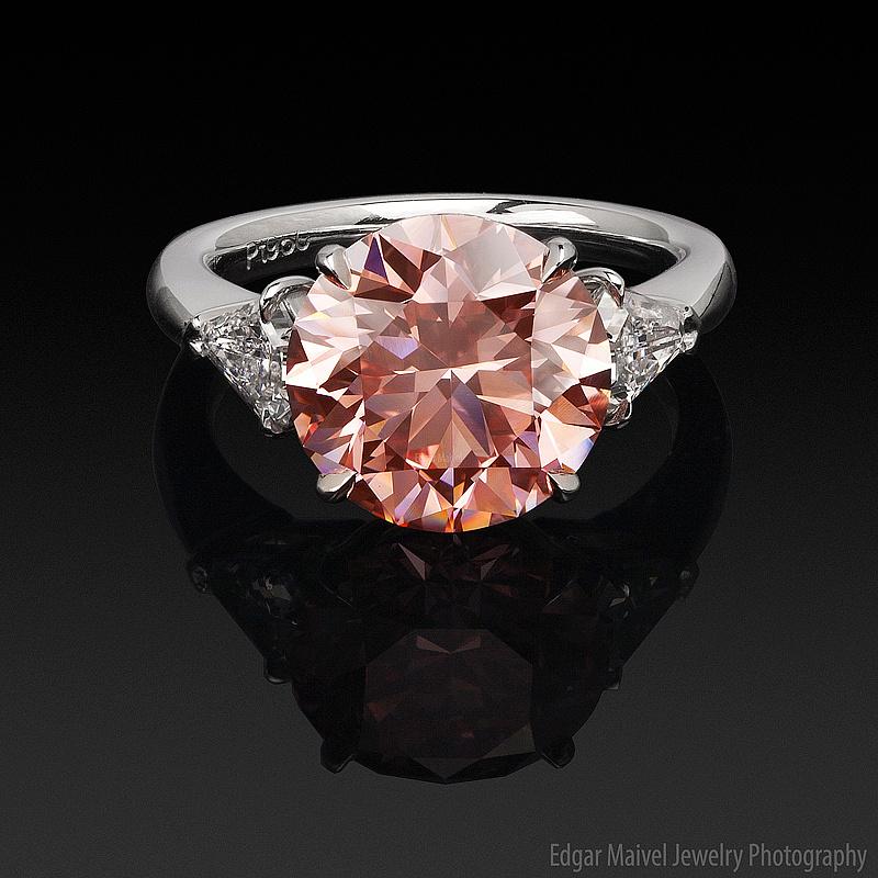 Orangy Pink Diamond by Edgar Maivel