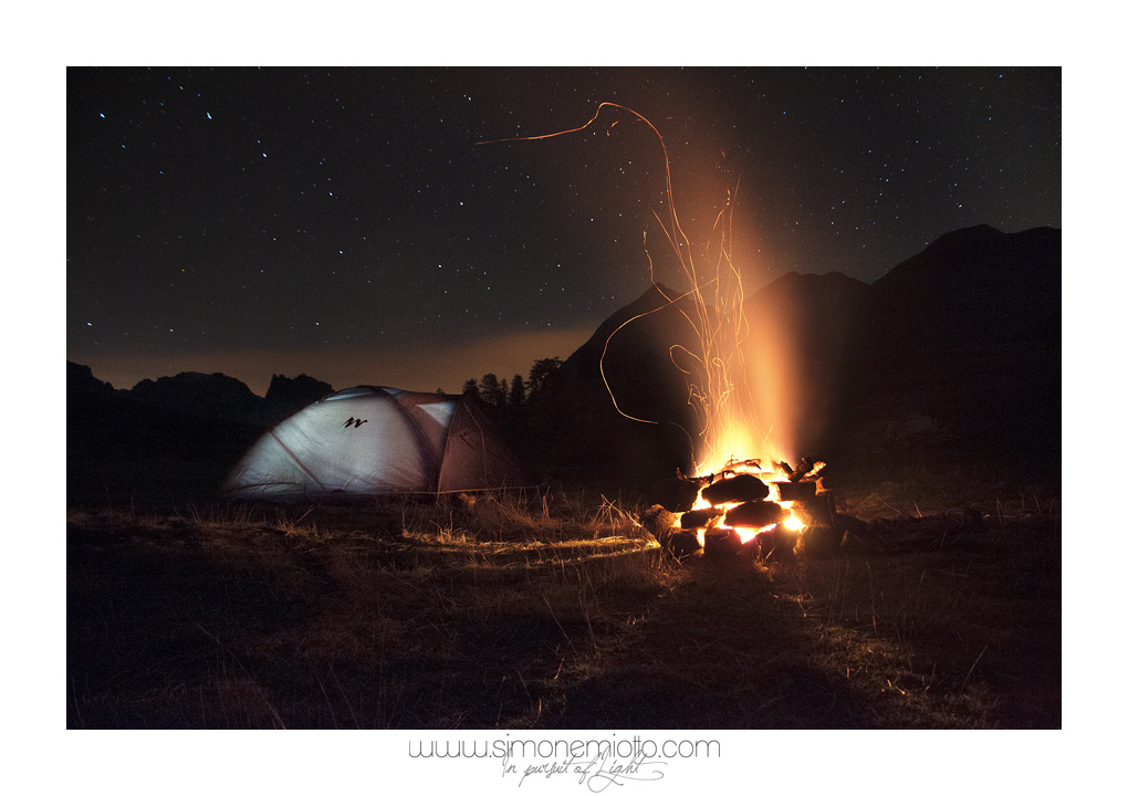 Camping under the stars by Simone Miotto
