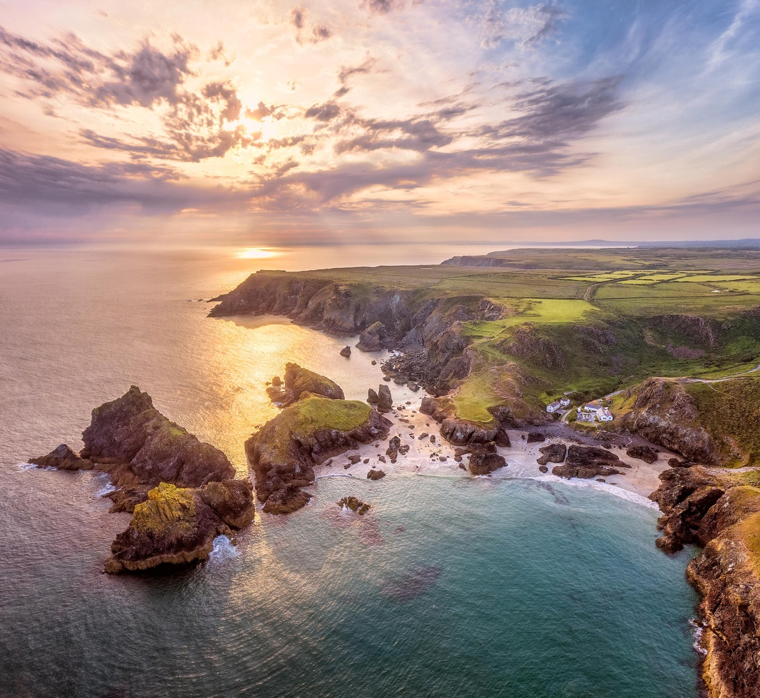 Sunset on Kynance cove, Cornwall by Jerome Courtial
