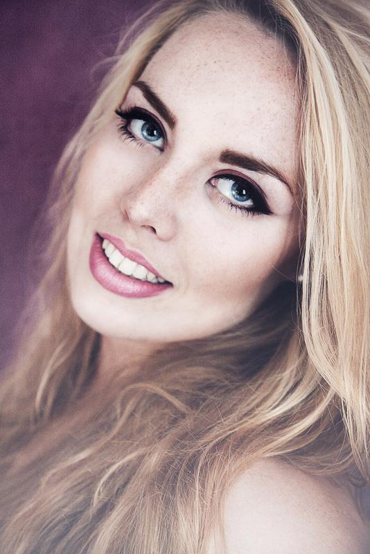 Smile by Tamara Würzburger