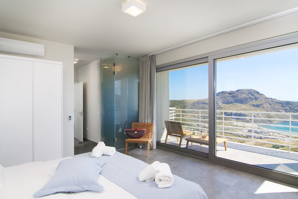 Bedroom with view by George Iliakis