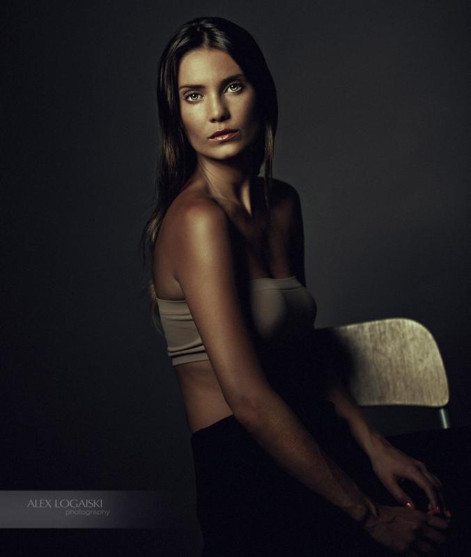 Julia by Alex Logaiski