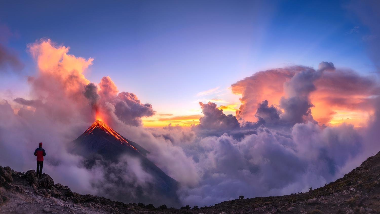 Eruption of El Fuego by Nico BABOT
