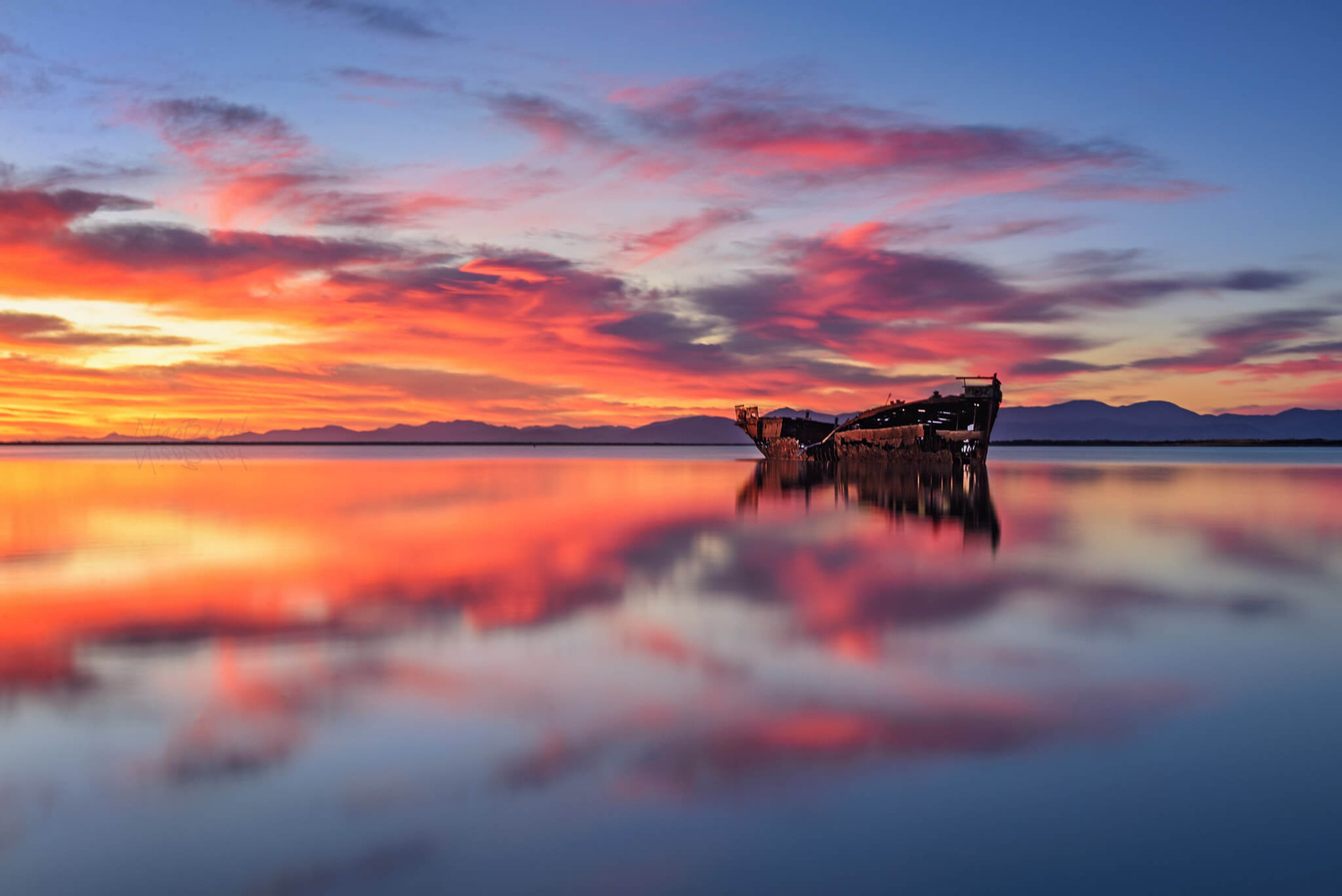 Sunrise in Motueka New Zealand by Nico BABOT