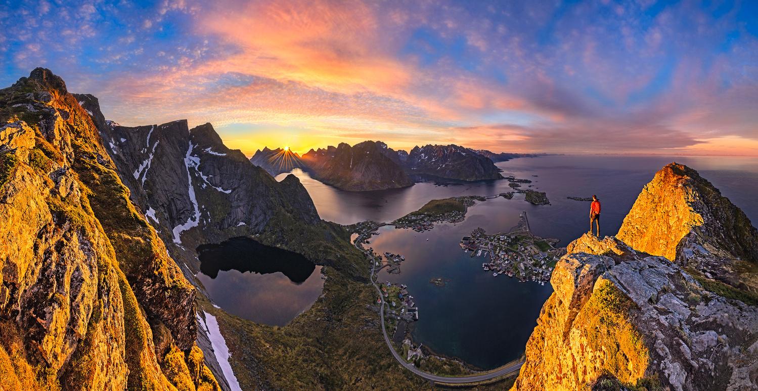 Last sunset in Lofoten by Nico BABOT