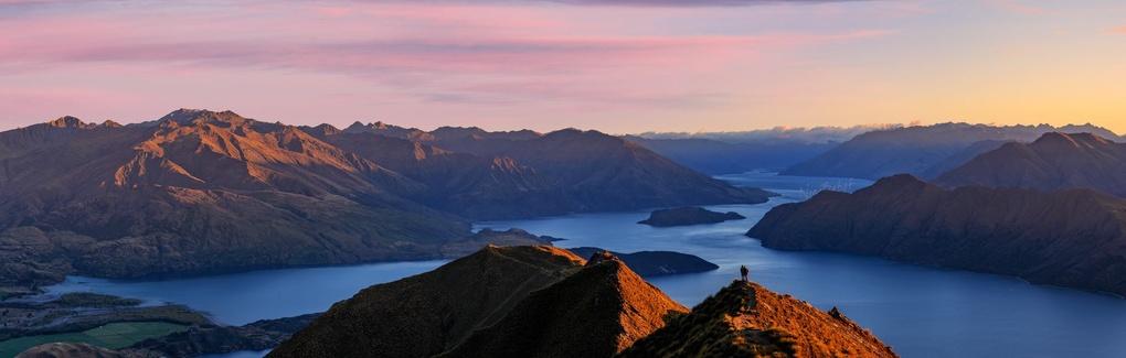 Lovely sunrise over lake Wanaka by Nico BABOT