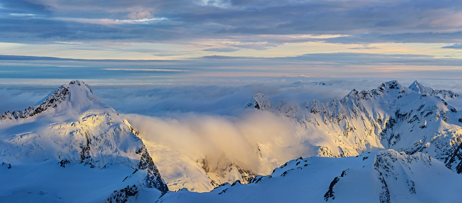 Morning light over the Southern Alps by Nico BABOT