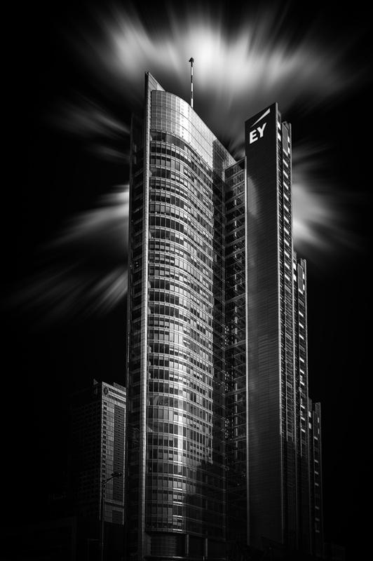 Rondo 1 Tower by Cezary Korsieko