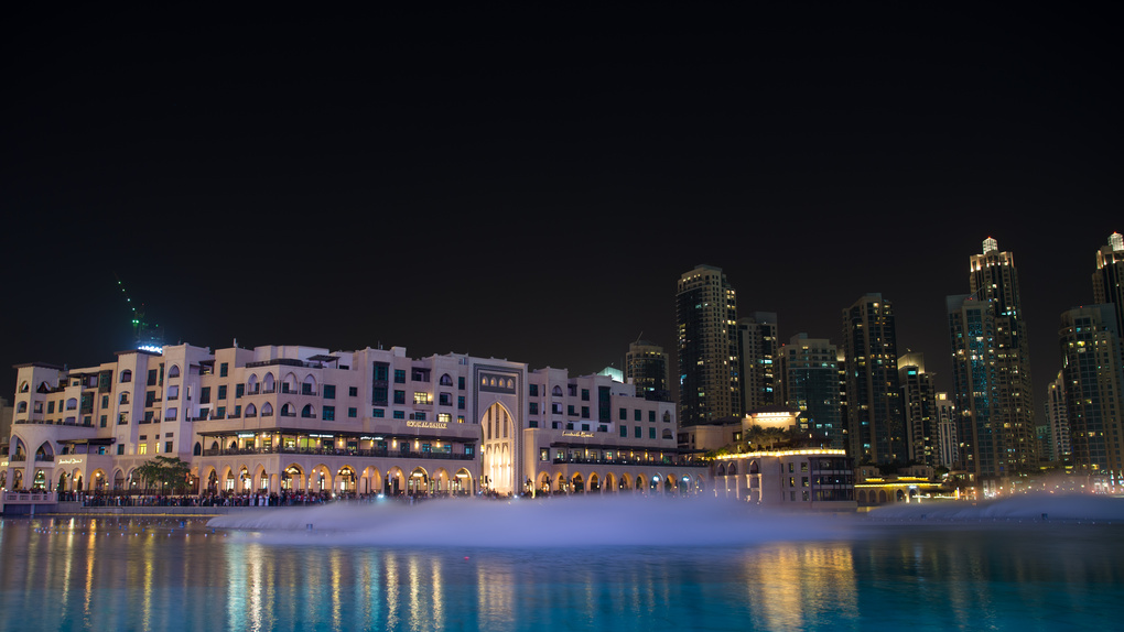 The Dubai Fountain and the Souk Al Bahar by Alvi Tellez