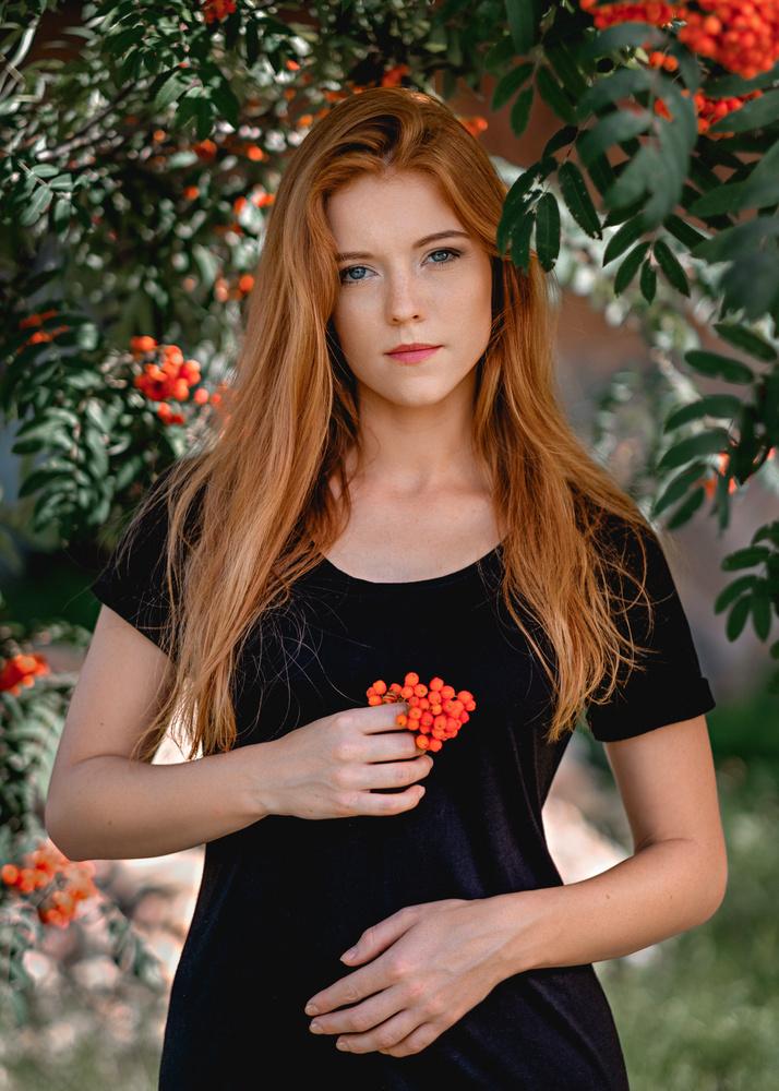 Red berries by Saulius Kerikas