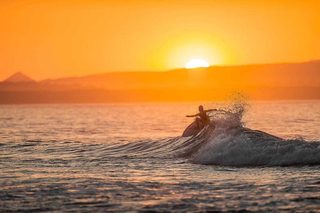 Last Light, Last wave. by Dom Stuart