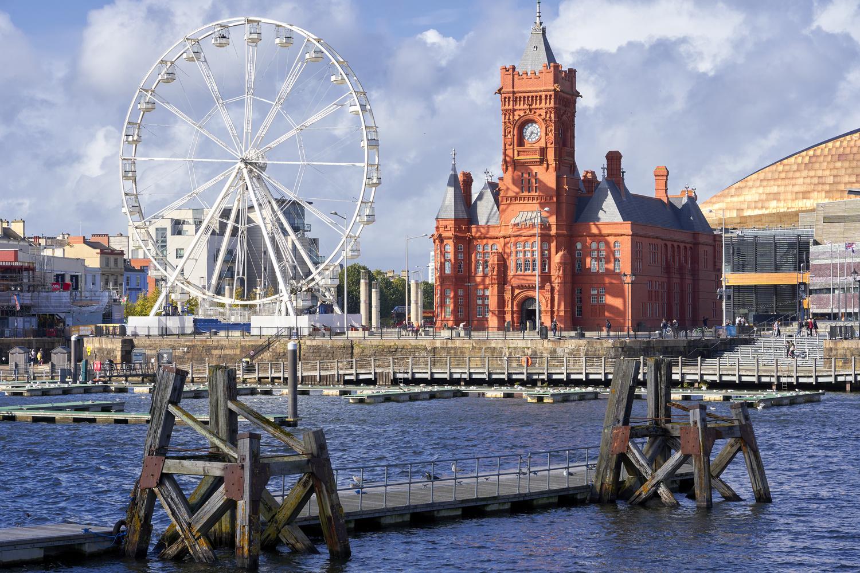 Cardiff Bay by Richard Downs