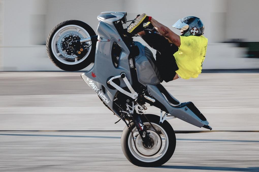 Stunt bike by Chris Pizzitola