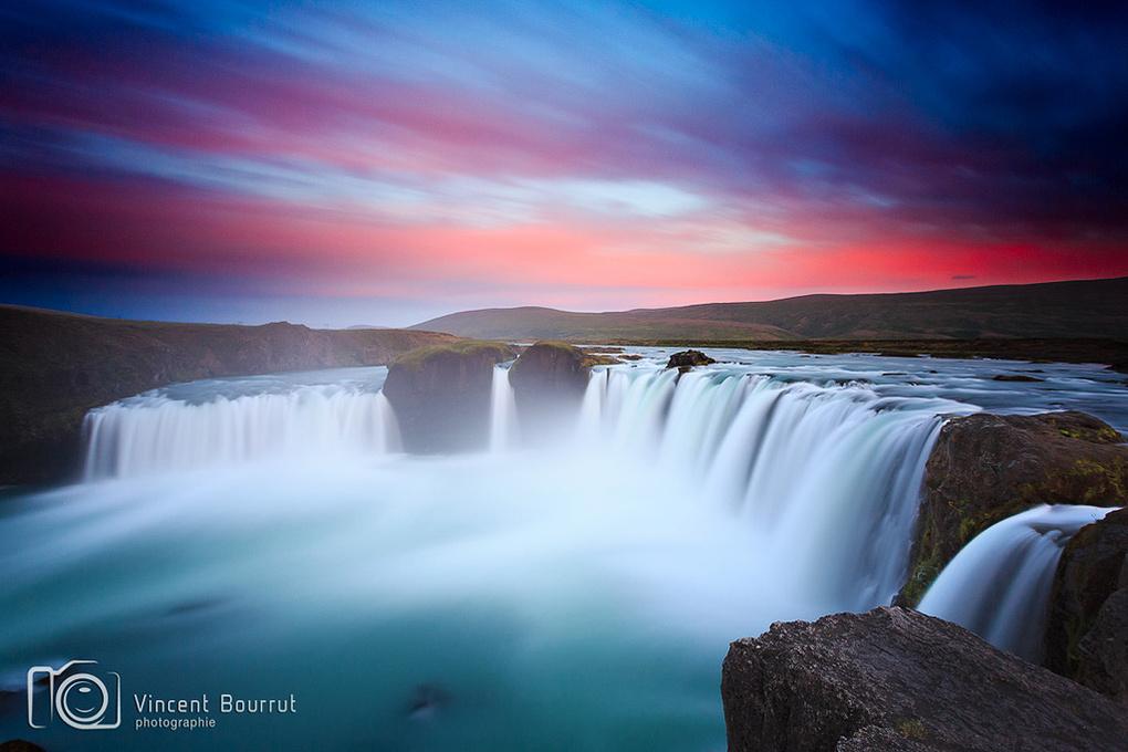 Goðafoss by Vincent Bourrut