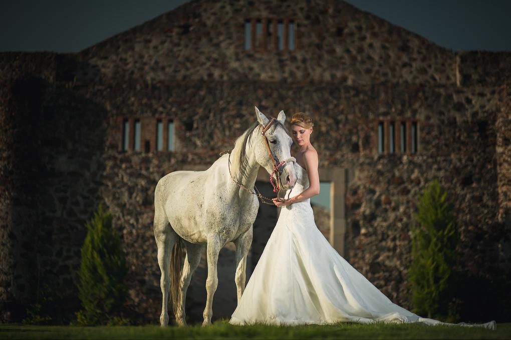 Bride and horse by Enrique Borja