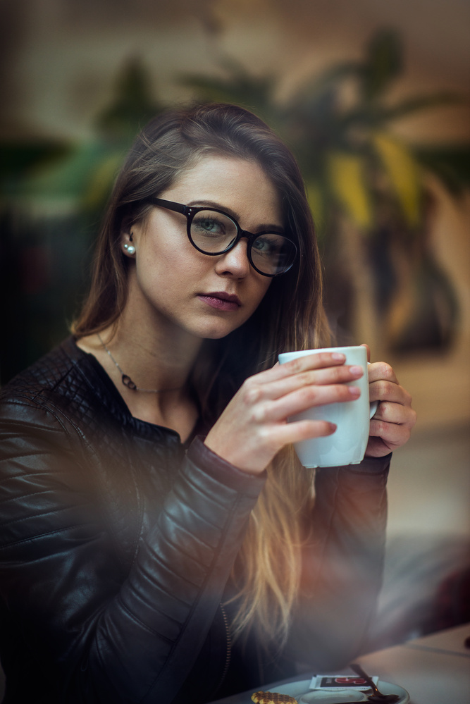 Coffee Break with Laury by Reda Izo