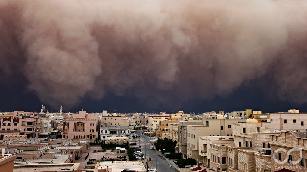 Kuwait Massive Sandstorm by Chris Sanan
