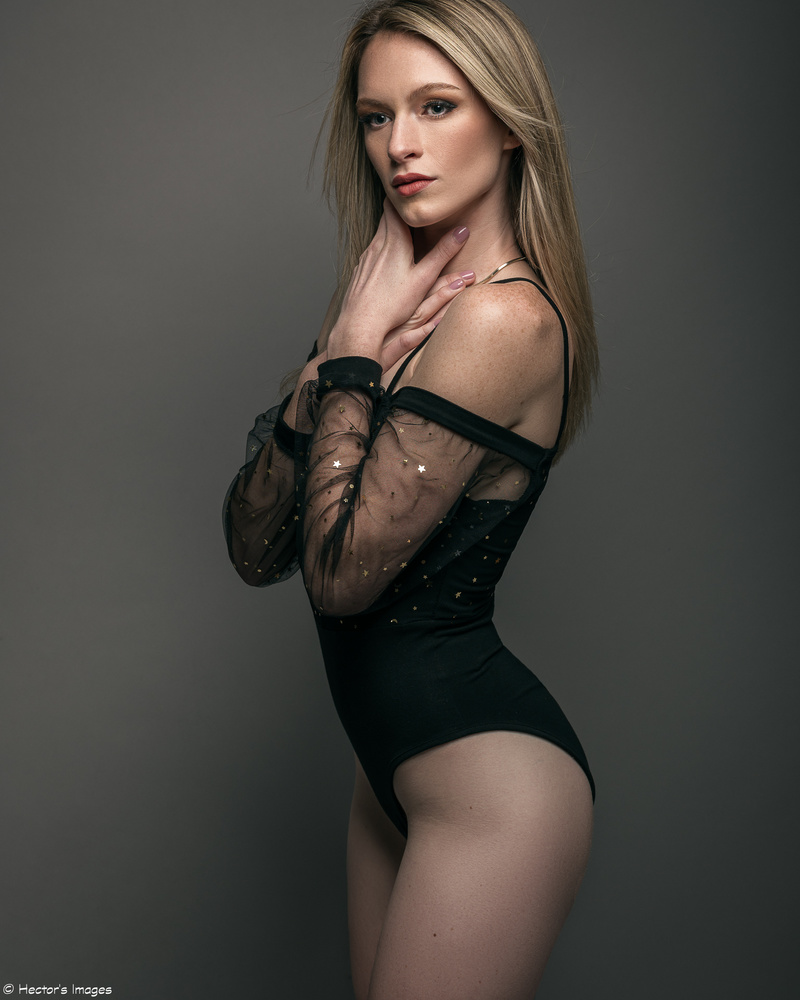 Hannah in black by Hector Reyes