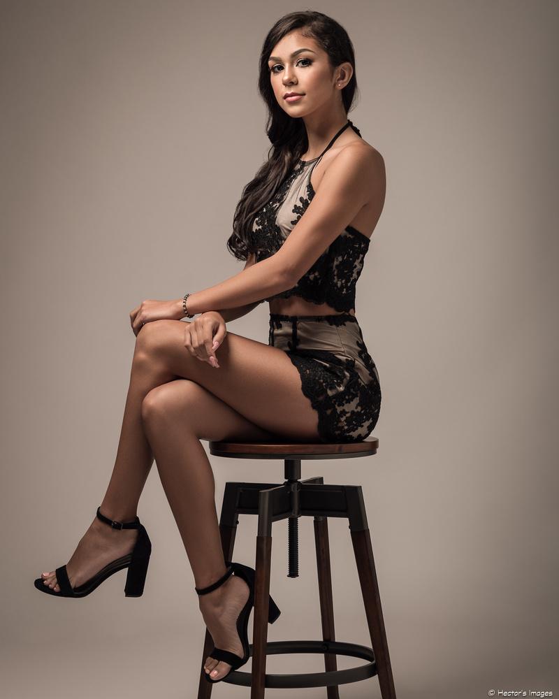Joslynn in black lace by Hector Reyes