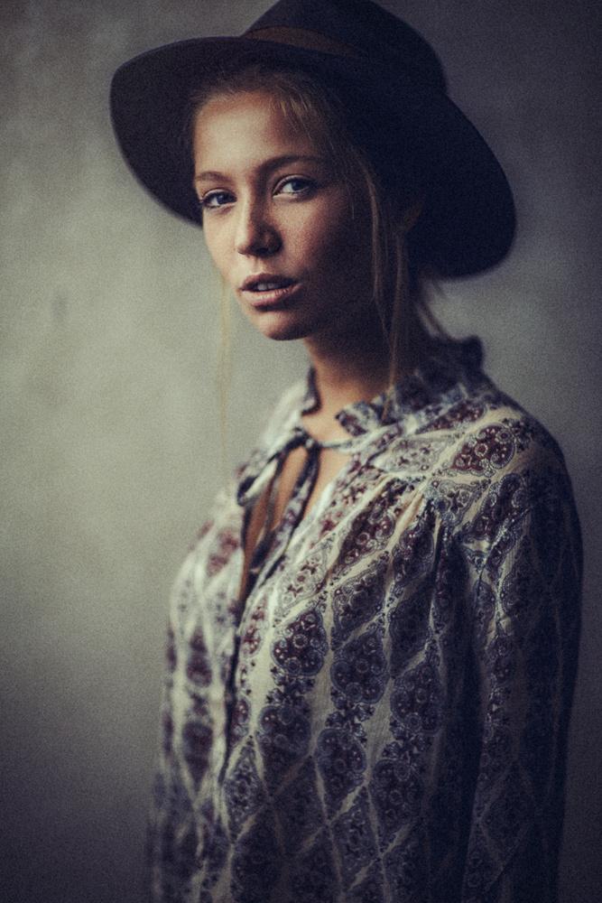 Portrait of Kira  by Yannick Desmet