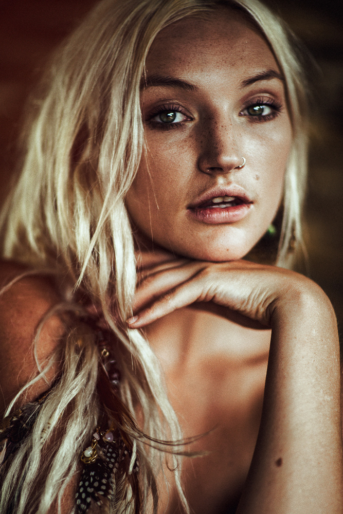 Olivia by Yannick Desmet