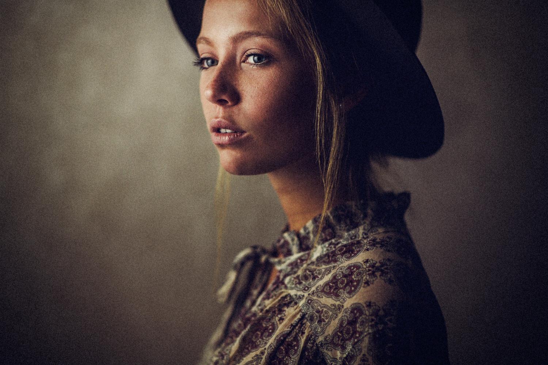 Kira by Yannick Desmet