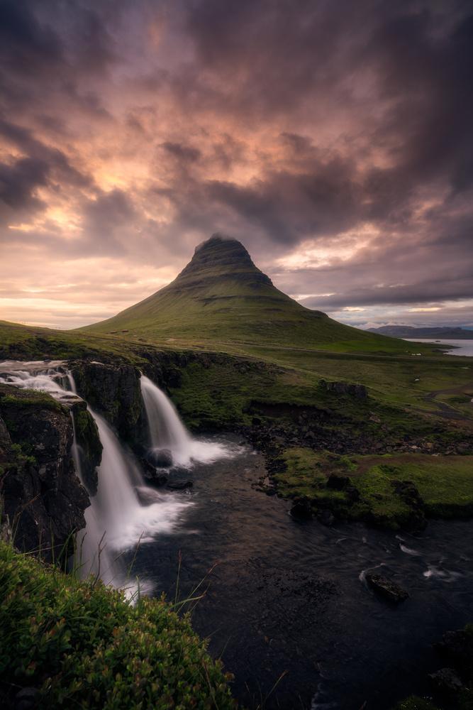 Kirkjufell Foss  by Rob Giannese