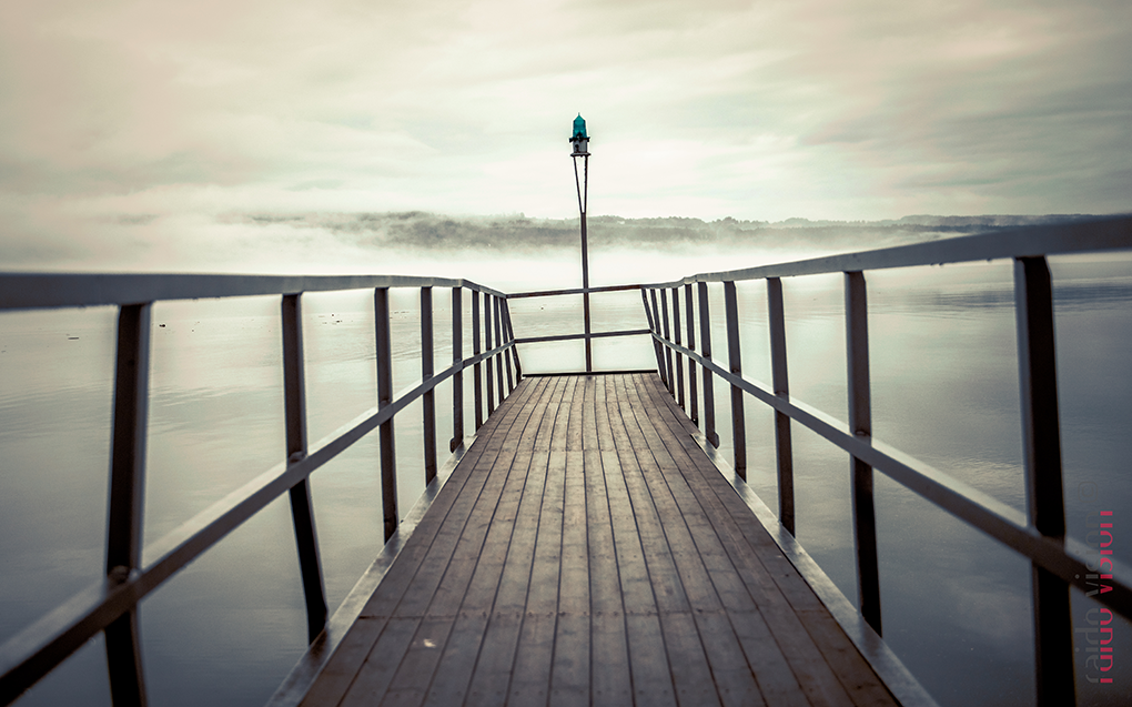 Crooked pier by Raido Vision