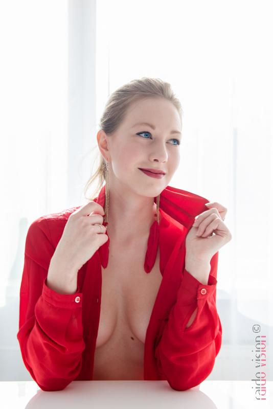 The red shirt by Raido Vision