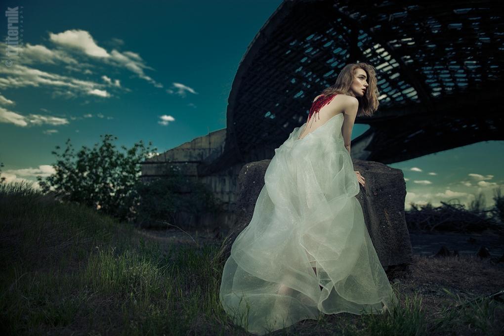 the Wounded III by Emma Grigoryan