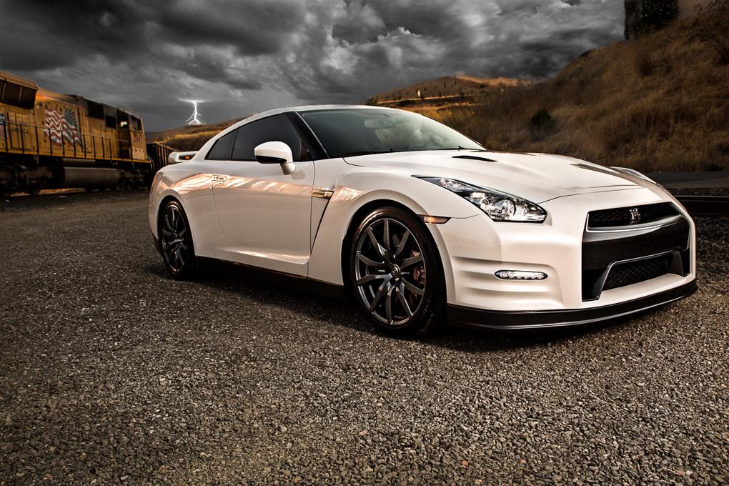 Nissan GTR by David Delahoussaye