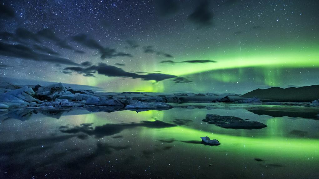 Jökulsarlon Aurora by Mads Peter Iversen