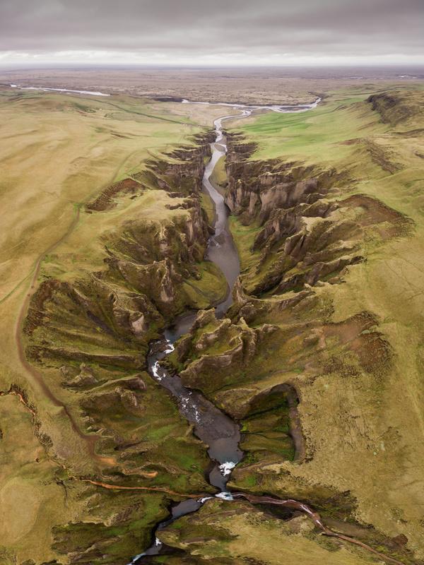 Fjaðrárgljúfur by Mads Peter Iversen