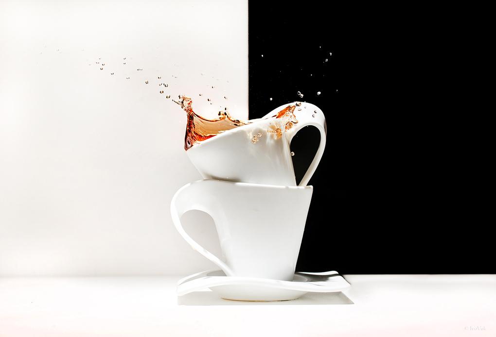 Cups by Ivan Vukelic
