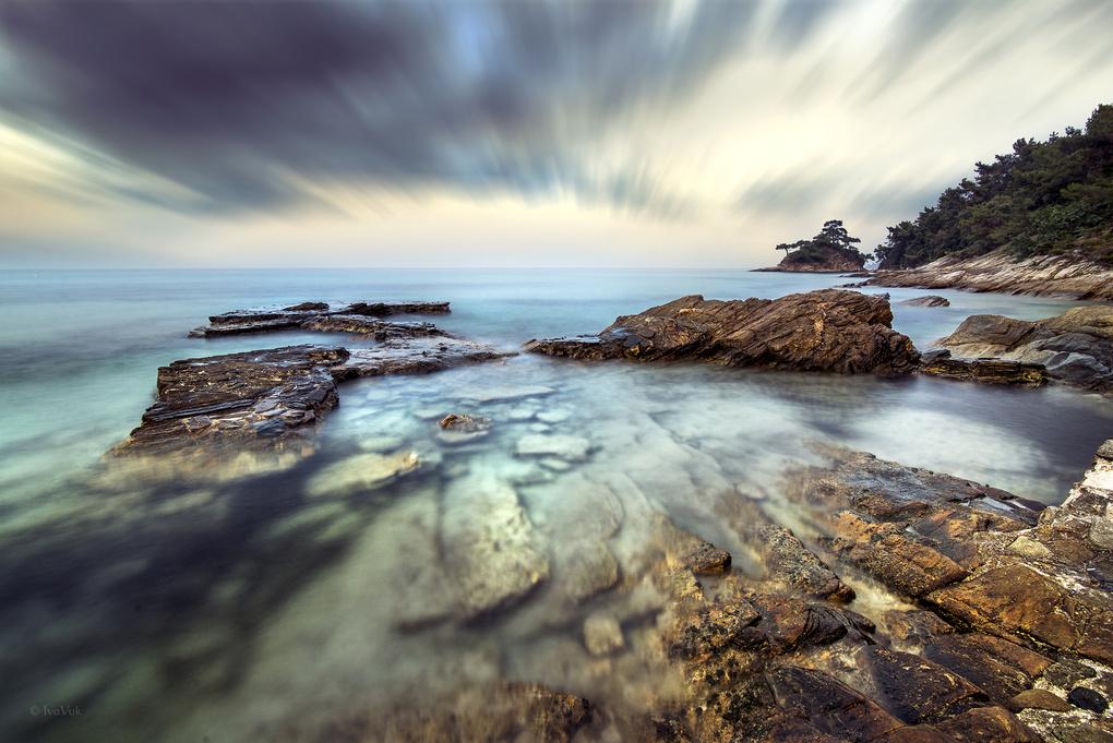 Seascape by Ivan Vukelic