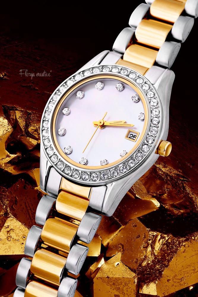 Timepiece by Tomas Rak