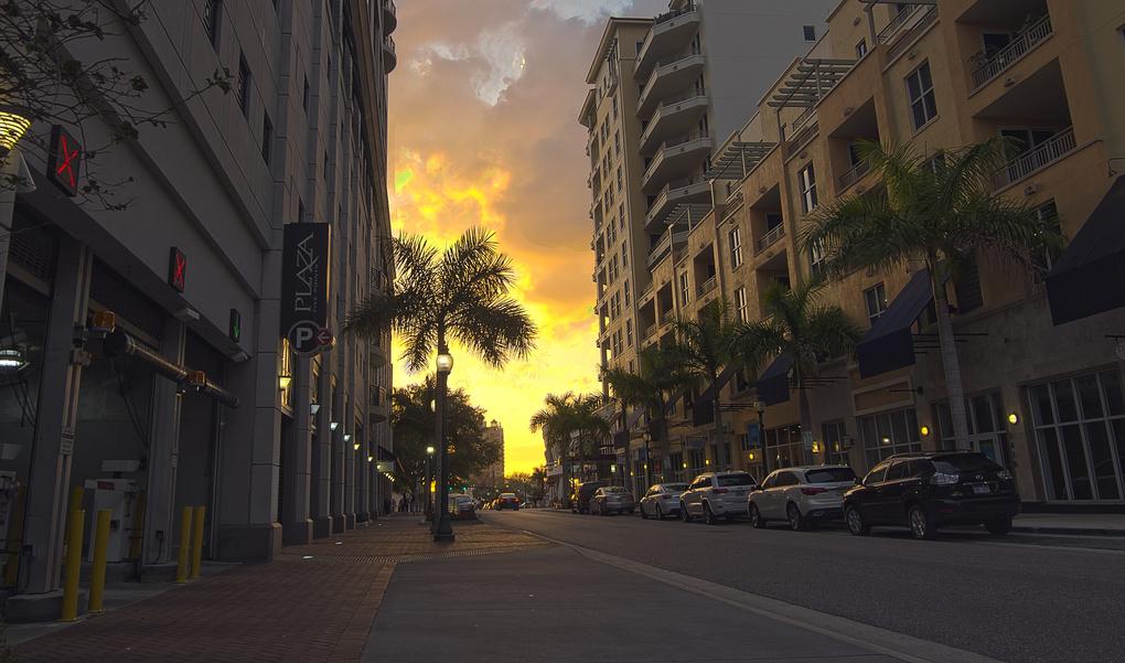 Downtown  by Khoa Duong
