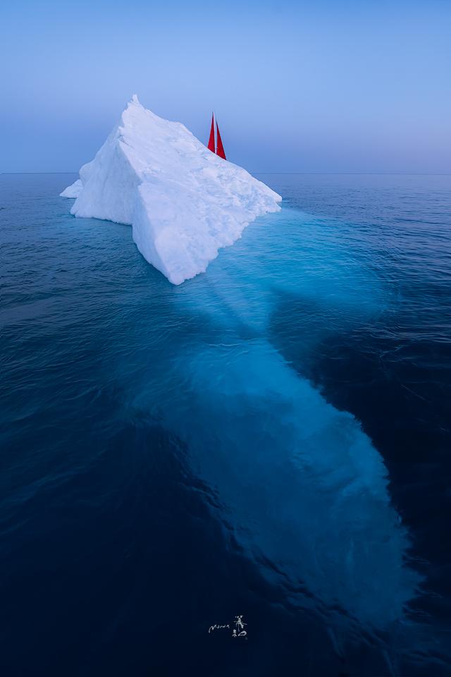 Sailing by Gerald Macua